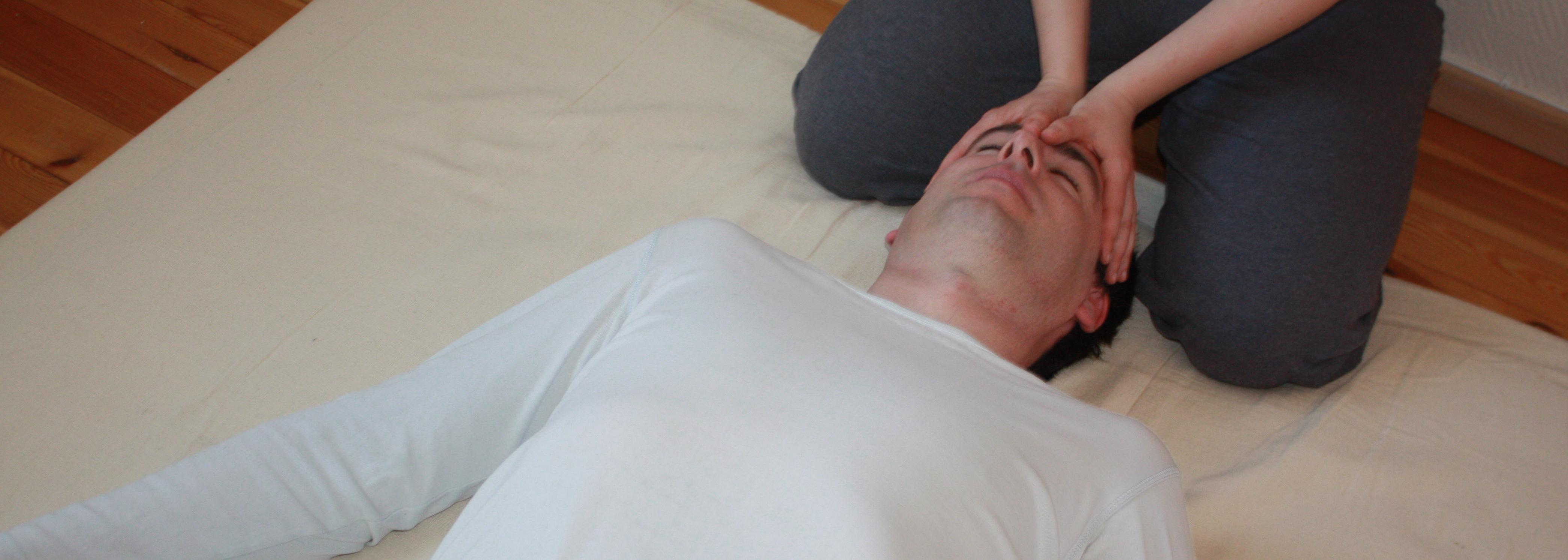 Sliten, stresset og sover dårlig? Stiv og anspent i kroppen?
